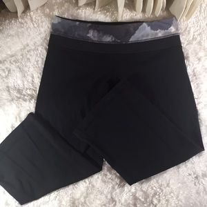 Lululemon reversible capri pants